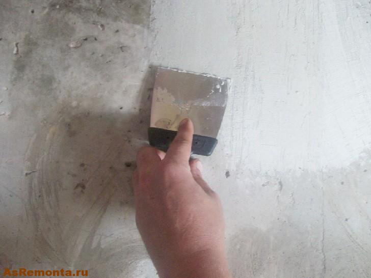 Как снять побелку с потолка быстро